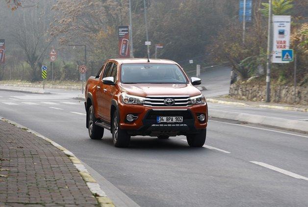 Uzun dönem testi · Toyota Hilux 2.4 D-4D 4x4